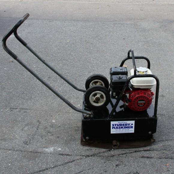 Hyr en bensindriven Markvibrator 90kg